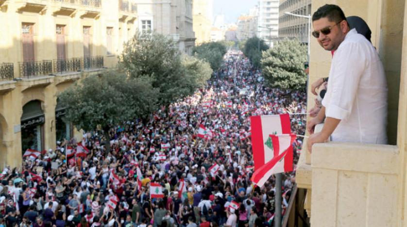 بعد استقالة وزراء جعجع  ..  الحكومة اللبنانية ماذا ستفعل لتهدئة الشارع؟