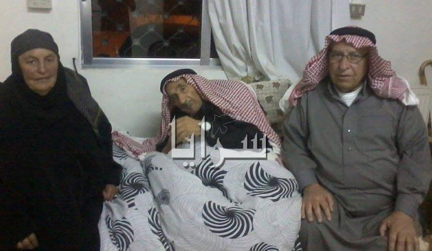 الحاج فلاح الزريقات أكبر معمر في المملكة .. يتجاوز عدد ذريته ( 206 ) ..  عمره 103 عاما ..  ( صورة )
