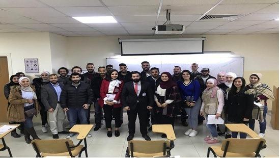 """""""الشرق الأوسط"""" تختتم برنامجا تدريبيا لتاهيل الطلبة لسوق العمل ..  صور"""