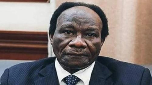 وزير سوداني يتلقى هدية غير متوقعة ويثير الجدل بتعليقه