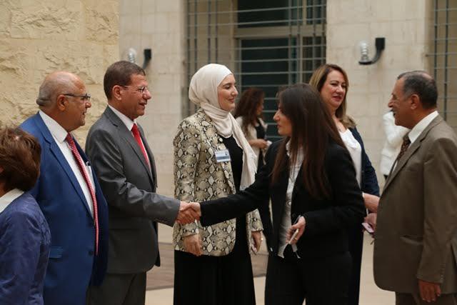 """بالصور ..  أسرة """" الشرق الأوسط """" تتبادل التهاني بمناسبة عيد الأضحى المبارك"""