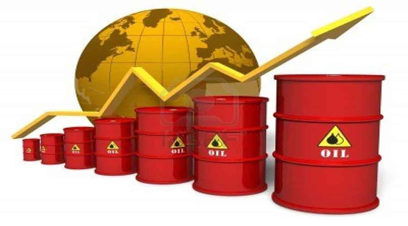 أسعار النفط تقفز 2% إلى أعلى مستوى في عام