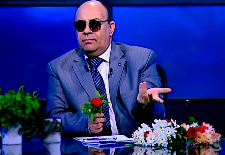 """داعية مصري: تصفح """"فيسبوك"""" بعد العشاء إثم"""