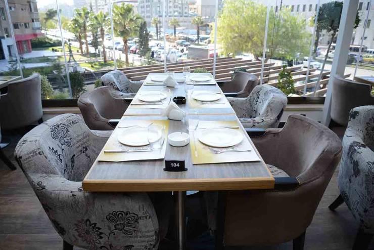 في سوريا: مطعم يجبر مواطناً على دفع رسوم لأنه لم يأكل!