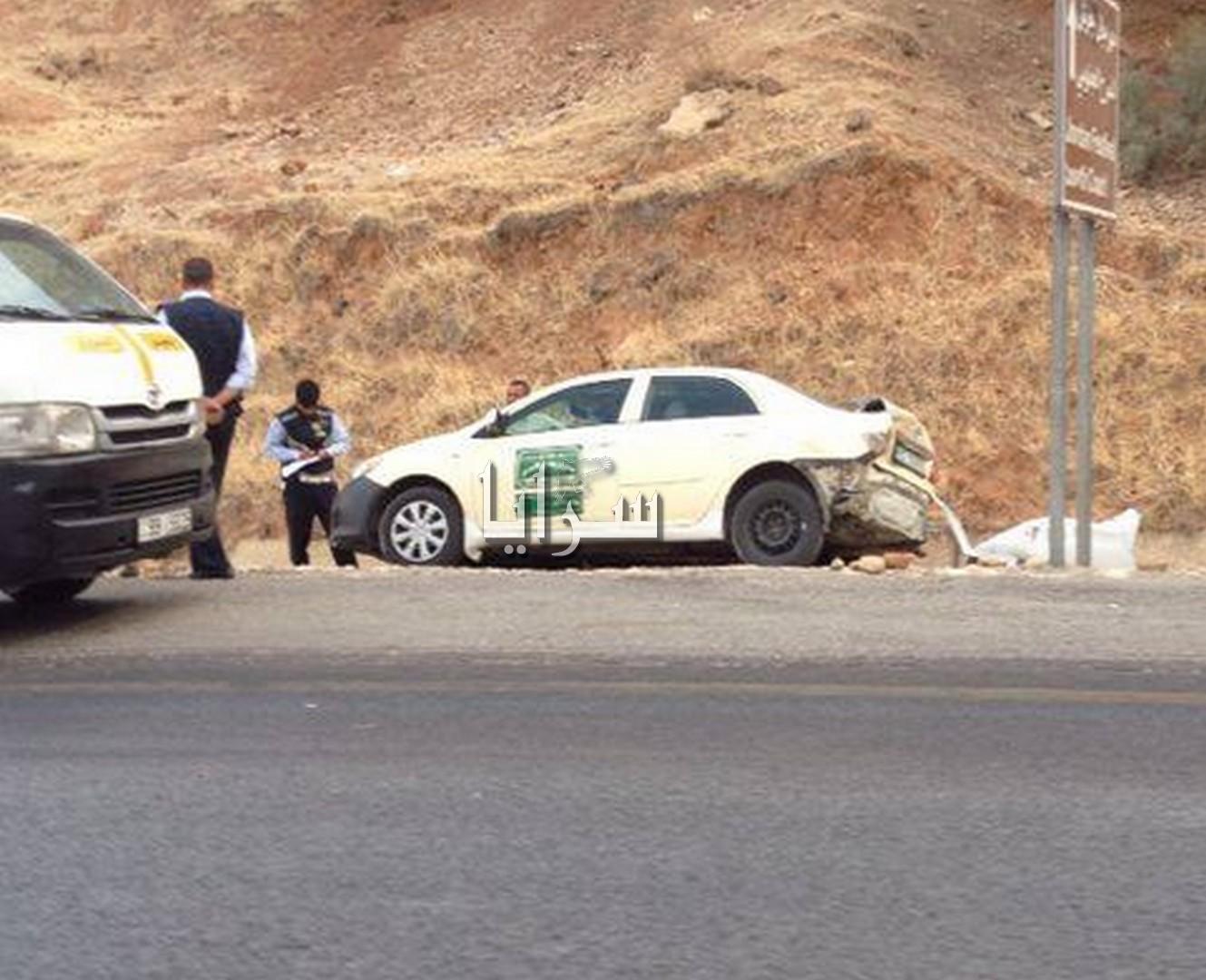 بالصور .. عاجل ..  9 اصابات اثر حادث تصادم بين حافلة و 15 مركبة في جرش