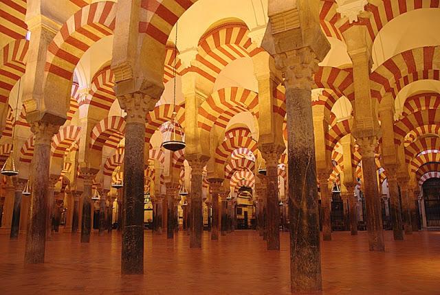 """بالصور..تعرف على مسجد قرطبة""""مسجد و كاتدرائية"""""""