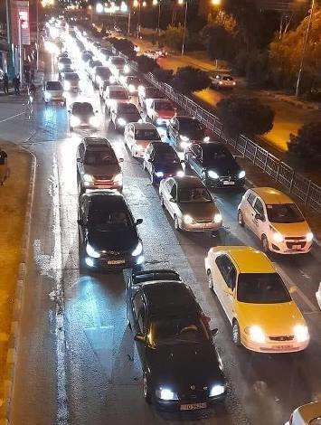 صورة تزاحم المركبات في شارع الاستقلال صحيحة