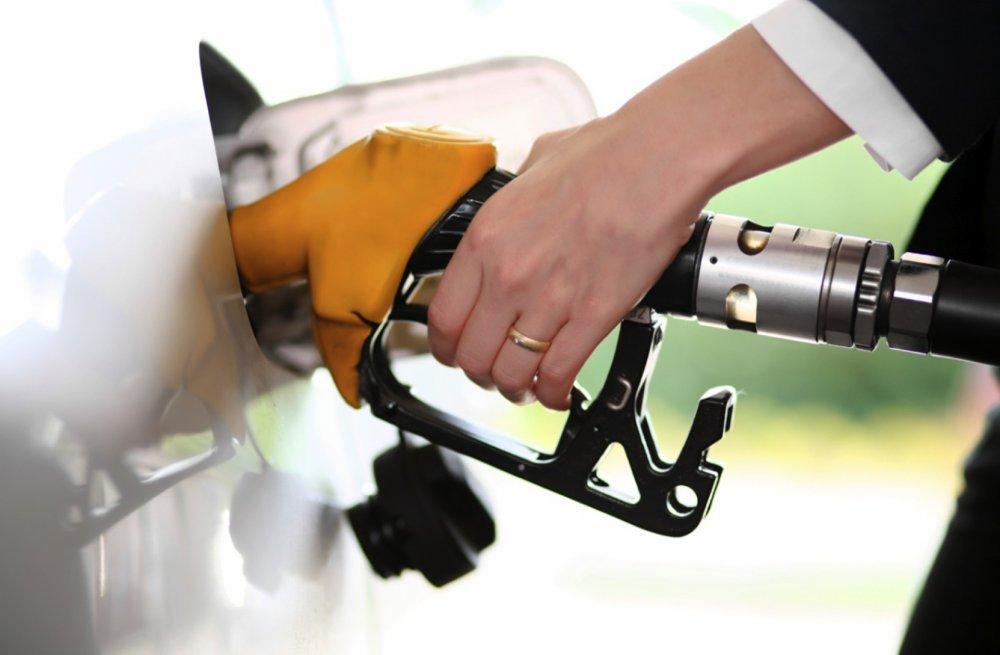 ماهي المسافة التي يمكن أن تقطعها السيارة بعد تنبيه نفاذ الوقود