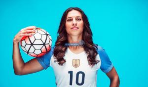 بالفيديو والصور  ..  أسطورة منتخب أميركا للسيدات كارلي لويد تعتزل كرة القدم