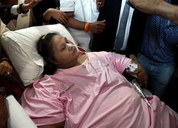 """وفاة المصرية """"ايمان عبدالعاطي"""" أسمن امرأة في العالم بعد رحلة علاج طويلة"""