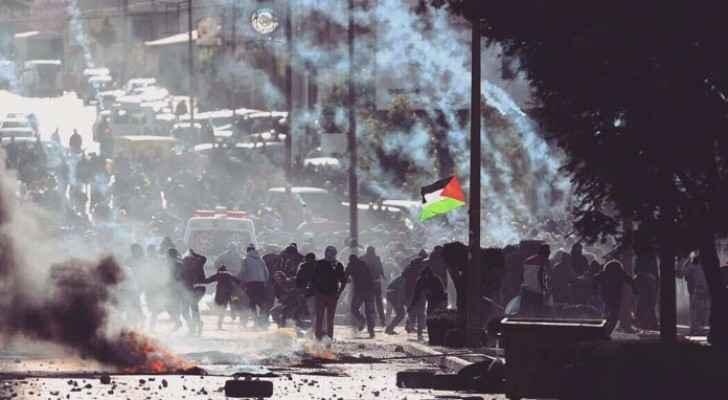 انتفاضة في مدن الضفة نصرة للقدس ومواجهات عنيفة مع جنود الاحتلال
