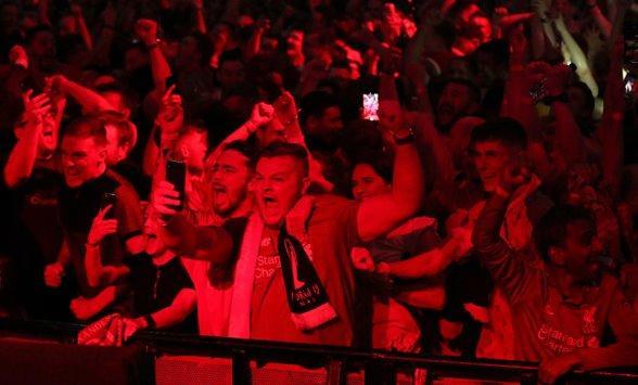 حادث طائرة يؤثر على استقبال مشجعي ليفربول