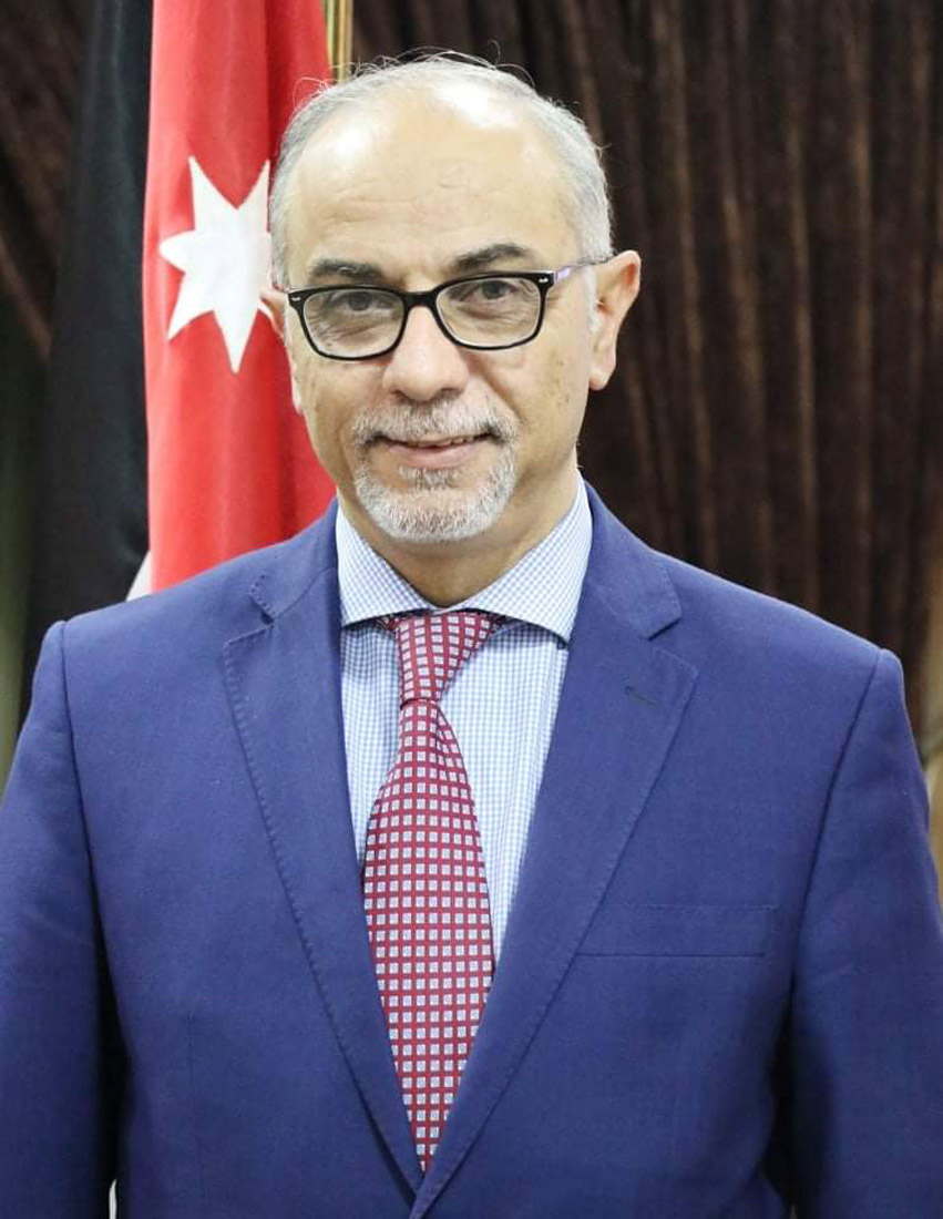 الدكتور خالد الوزني رجل من الطراز الرفيع