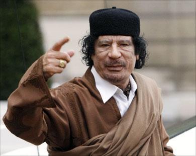 """الكشف عن الاشخاص الذين عبثوا بجثمان """"القذافي"""" ثم ألقوه و نجله المعتصم في فرن لصهر الحديد"""
