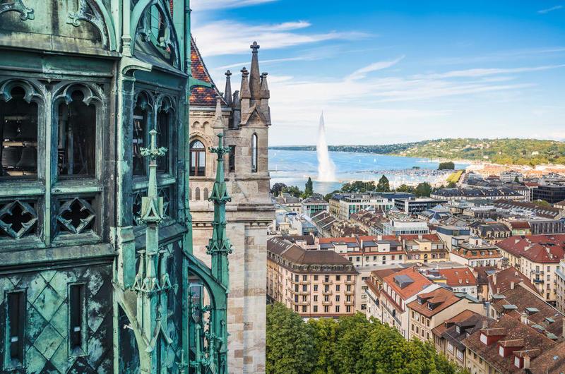 بالصور  ..  سياحة افتراضية في جنيف