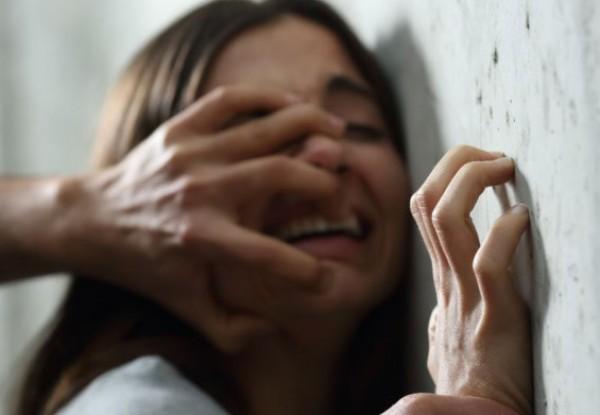طفلة تتعرّض للاغتصاب من 5 صبية أحدهم عمره 6 سنوات