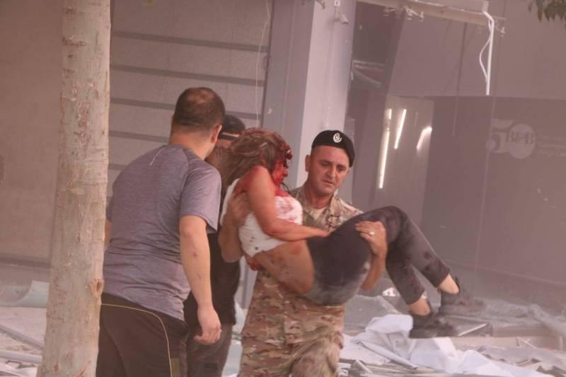 أكثر من 10 شهداء وعدد كبير من الجرحى في انفجار بيروت