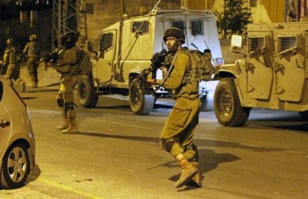 اعتقال 8 فلسطينين ... واصابة جندي إسرائيلي