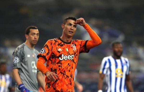 سخرية واسعة من رونالدو بسبب لقطتين في مباراة بورتو