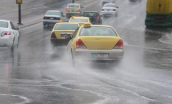 الأمانة: لا تجمعات لمياه الأمطار بشوارع عمّان