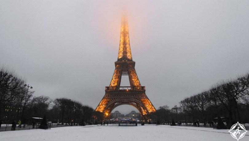 بالصور .. زيارة برج إيفل في باريس