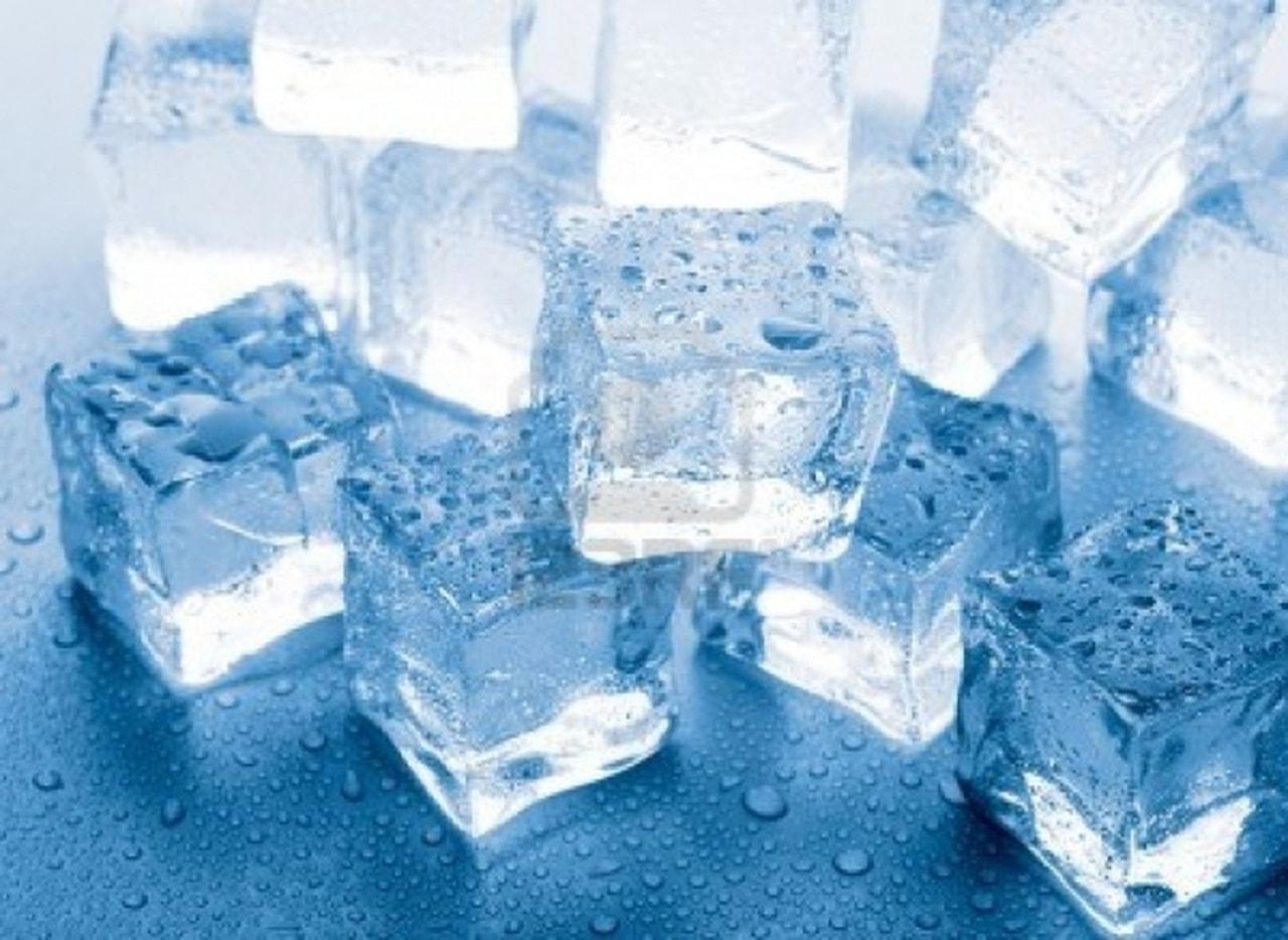 مكعبات الثلج لخسارة الوزن ..  إكتشفوا هذه الطريقة السهلة والفعالة