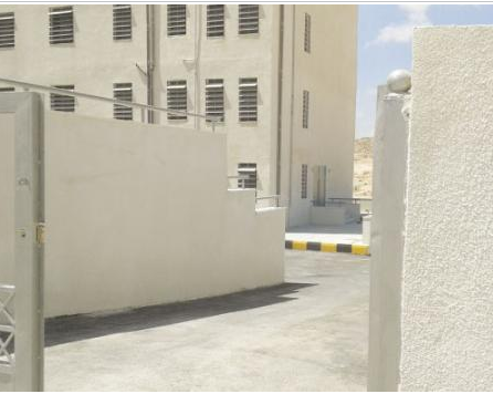3 عطاءات لاستكمال بناء مدرسة بوشر العمل فيها منذ 8 سنوات