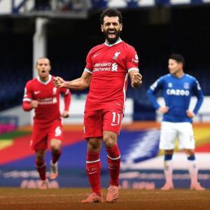 ليفربول يتحايل لإعادة صلاح مبكراً إلى الملاعب
