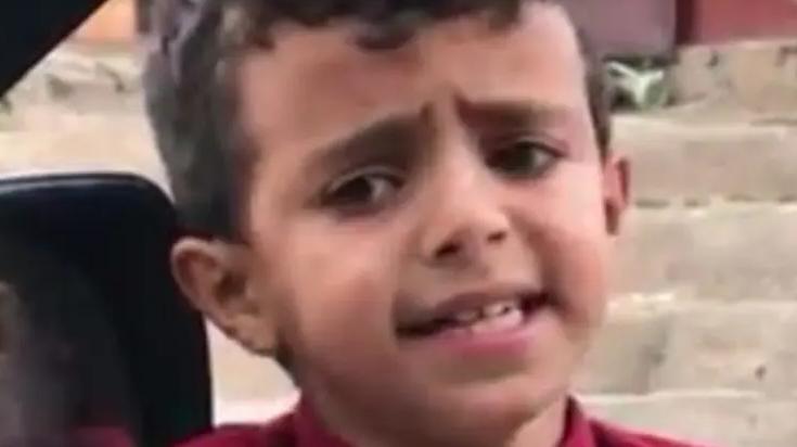 بالفيديو  ..  'بائع الماء'' الصغير يثير أعجاب أصالة نصري