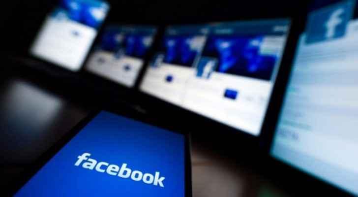 فيس بوك تغلق مليون حساب يومياً