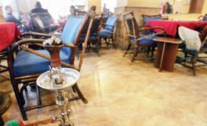 ''الأمانة'' تغلق 19 مقهى تقدم الأرجيلة لأحداث
