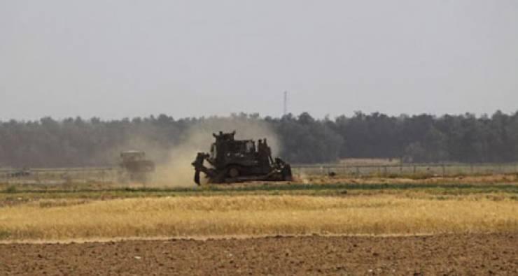 الاحتلال يصيب صيادا في بحر غزة ويتوغل شرق البريج