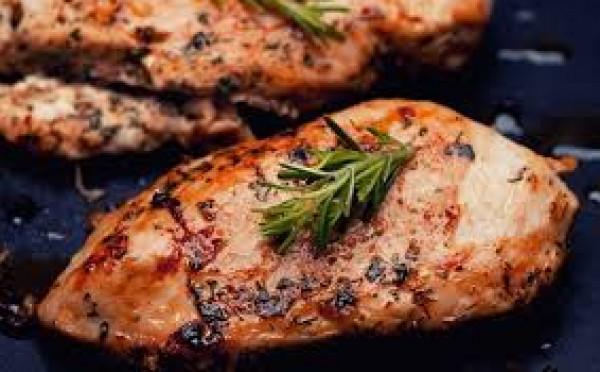طريقة عمل صدور دجاج مشوية بالتتبيلة