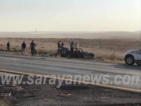 بالصور  .. (4) وفيات بحادث سير مروع بين تريلا و سيارة صغيرة على الطريق الصحراوي