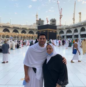 حسن الرداد عن آخر هدية من والدته: مكنتش أعرف إن ده كان الوداع