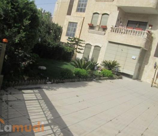 شقة ارضية طابقية في الرابية مع حديقة و كراج مستقل مفروشة للبيع من المالك مباشرة