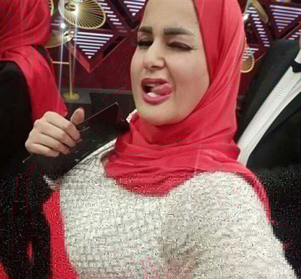 بالصور والفيديو  .. طرد سما المصري من مهرجان القاهرة السينمائي بعد ظهورها بالحجاب ..