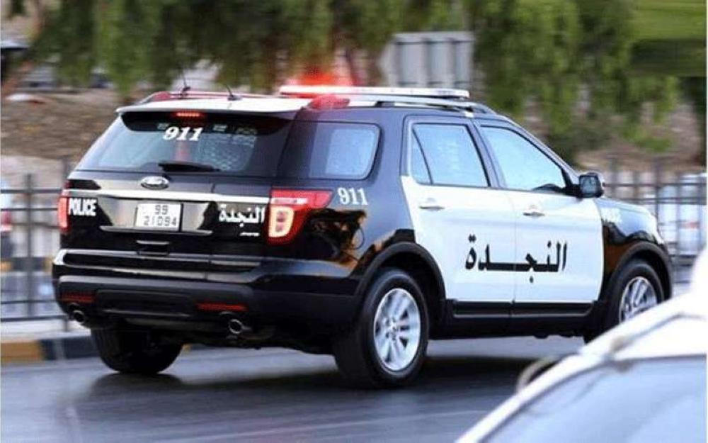توقيف شاب عرض رشوة على طاقم دورية نجدة في عمان
