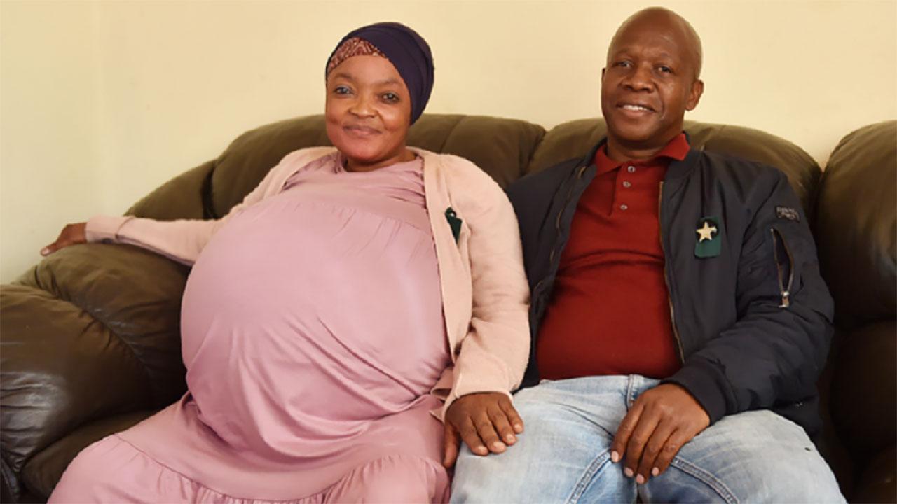 اختفاء منجبة التوائم الـ 10 ورضّعها وزوجها يبحث عنهم