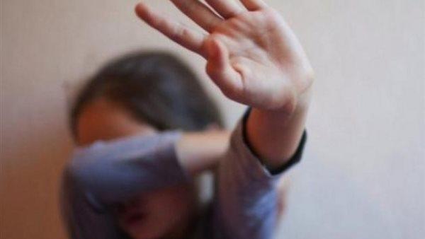 تفاصيل مروعة  ..  ام مصرية تقتل طفلتها بطريقة بشعة وتضع رأسها داخل برميل مياه