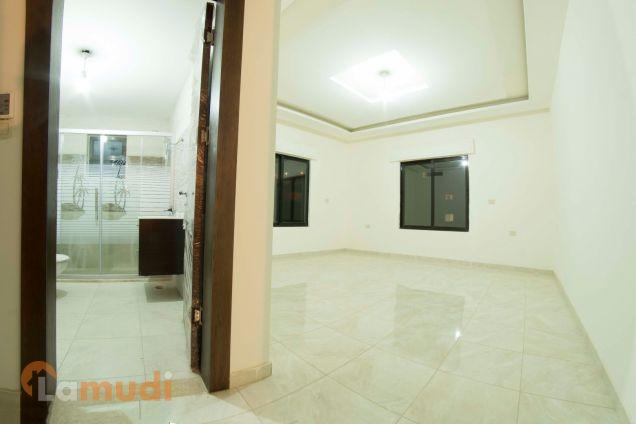 شقة في خلدا رائعة مع روف 50م للبيع(Brand new) من المالك