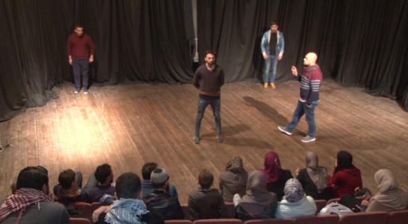 (تياترو فلسطين) ..  أول أكاديمية فلسطينية لتعليم الفنون المسرحية بغزة