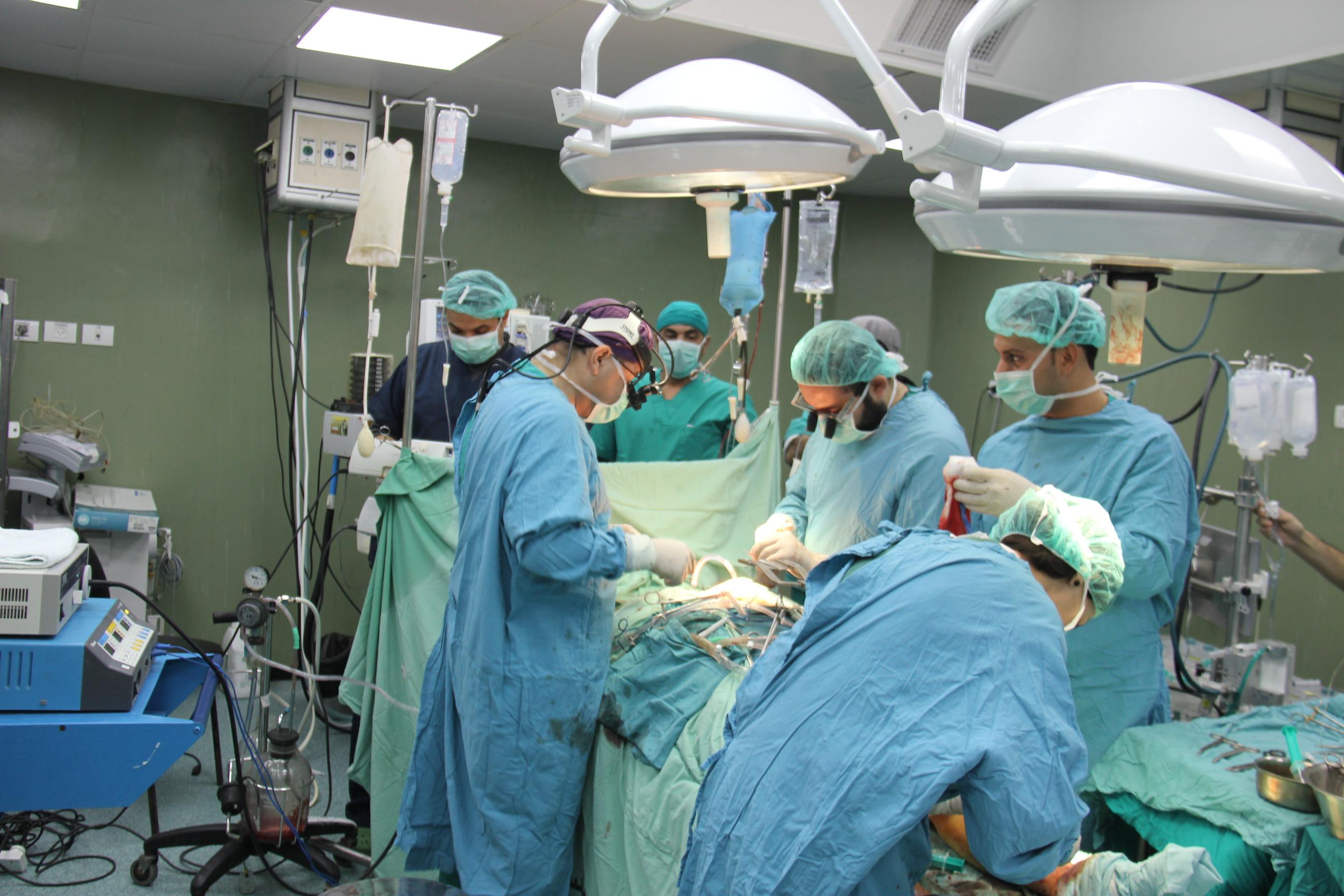 عاجل : إدخال 3 حالات لمستشفى الملكة رانيا بالبترا من الجفر يشتبه إصابتها بأنفلونزا الخنازير و ارتفاع عدد المصابين لـ50