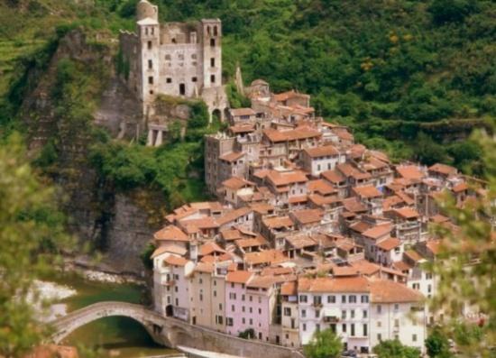 بالصور ..  3 قرى إيطالية من العصور الوسطى لا تفوت فرصة زيارتها