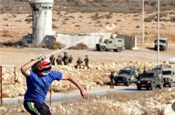 بالصور : اصابات وحالات اختناق جراء قمع الاحتلال لمسيرات الضفة