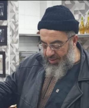 وفاة صاحب مطعم هاشم خلال أدائه صلاة المغرب