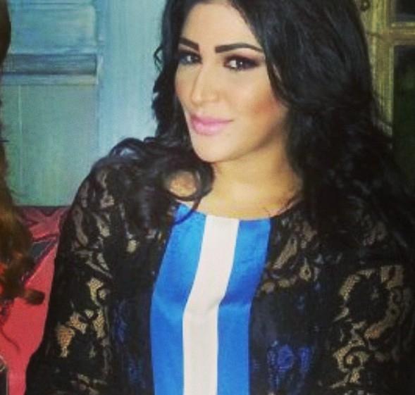 صور زوجة صابر الرباعي تحتضنه في شوارع بيروت 2014 image.php?token=3e999795dc9012324e646d9cb2175951&size=
