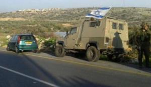 إصابة مواطن وزوجته بجروح خطيرة بعد أن دهسهما مستوطن قرب قلقيلية