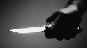 بسبب مشاجرة ..  معلمة مصرية تقتحم مدرسة وتطعن طالباً بسكين