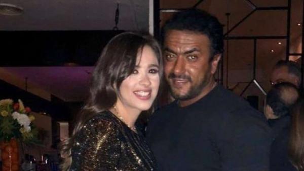 """لم ينفِ ..  أحمد العوضي يعلق على ارتباطه بـ """"ياسمين عبدالعزيز"""""""